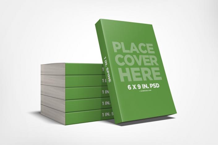 موکاپ ارائه کتاب جلد کاغذی به صورت انباشته روی هم